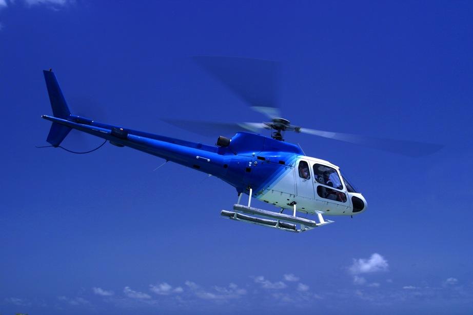 Guidad helikoptertur över Stockholm - en perfekt studentpresent!